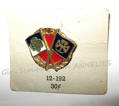 1950s Official Girl Scout Friendship PIN GSUSA & WAGGGS Flags GIFT Combine Ship