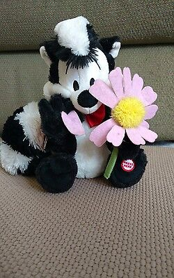 WT Hallmark Looney Tunes Pepe Le Pew Plush Talking Stuffed Skunk Character 12""