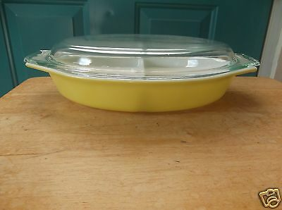 Vintage Yellow Pyrex Two Section 1-Quart Glass Casserole Dish and Lid