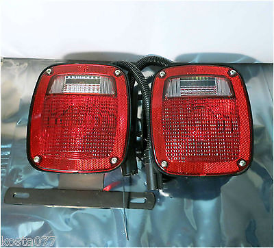 Set of 2 Universal Trailer Tail Lights, Lamps, Red / White