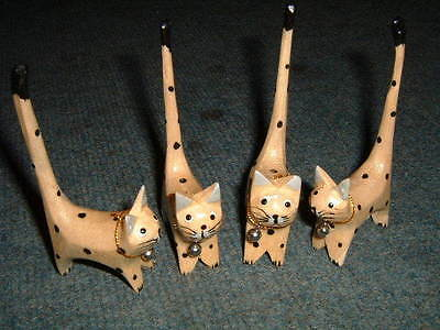 Wood Carving - Hand Crafted Cats W Bells - Natural 208D