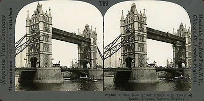 STEREO, Angleterre, London, new tower bridge and tower of London Vintage silver