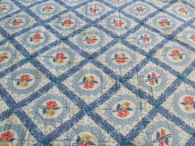 Vintage comforter tied quilt blue cheaters cotton red daisies yellow tulips