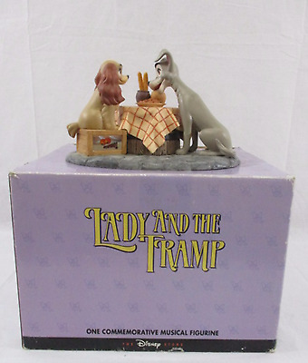 Disney's Lady and the Tramp Commemorative Musical Figurine Original Box (670)
