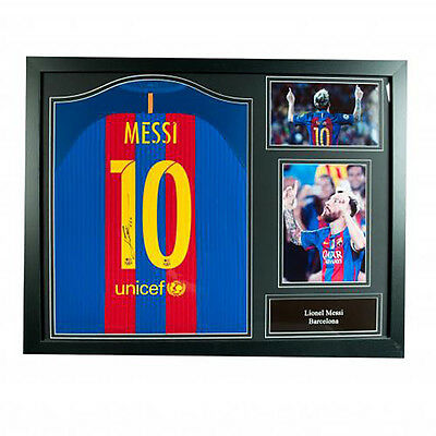 F.C Barcelona - Framed Signed Shirt (LIONEL MESSI)