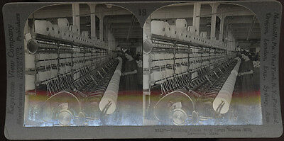 LAWRENCE, MASS. ** LARGE WOOLEN  MILL ~ WOMAN WORKER **   * sv photo *