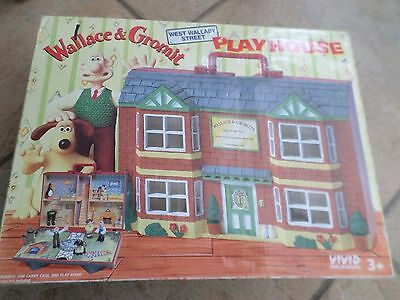 Wallace & Gromit Wash N Go  House Boxed With Figures  Unused Free Uk Post