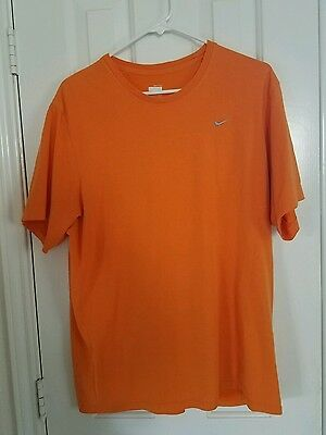Nike Fit Dry Mens T Shirt Size Large!