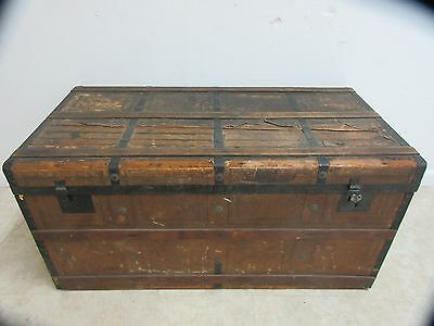 antique steamer trunk Luggage coffee Table D