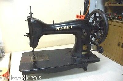 Nr. 8967.  Alte Nähmaschine  Singer Ledermaschine  Old Sewing Machine