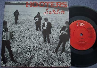HOOTERS Satellite / One Way Home UK CBS PICTURE SLEEVE Folk Rock