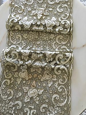 Gorgeous Antique Italian Linen Needle Lace Table Runner Fruit