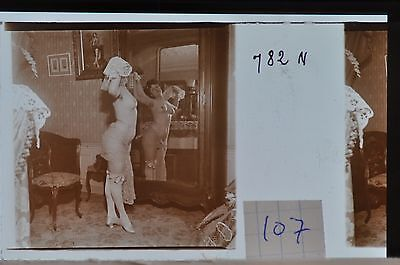 Stereoscopic Photography  Nude  , Glass Stereo Slide , 1905 Aprox.   N. 107