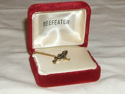 Vintage Whisky Whiskey - Beefeater Gin Jewelry Gold Tone Tie Bar In Box