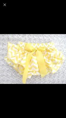 New Baby Girl Spanish Frilly Silk Knickers / Bloomers X 2 Pink And Yellow 12-18