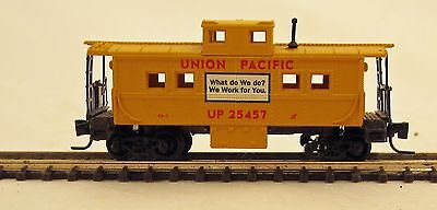 Micro-Trains MTL Z-Scale Center Cupola Caboose Union Pacific UP 25457
