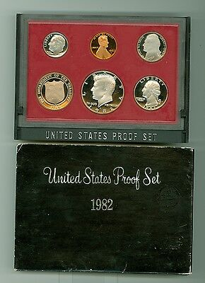 UNITED STATES PROOF SET 1982 S  U.S. Mint Coins in Sealed Display Case