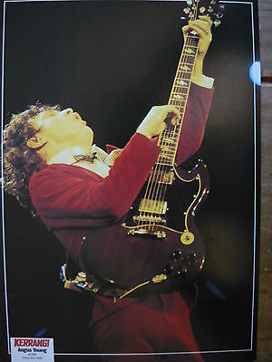 Ac/dc (Angus Young) - Magazine Cutting (Full Page Photo) (Ref Sb5)