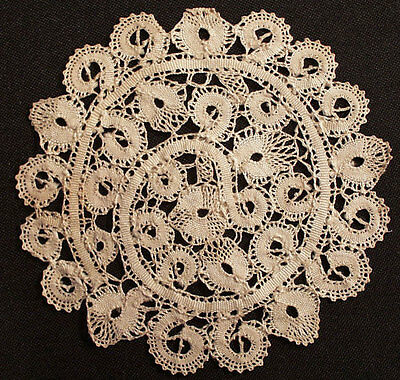 12 Antique Goblet Round Cocktail Coasters Italian Cantu Bobbin Lace Ecru 5-1/2""