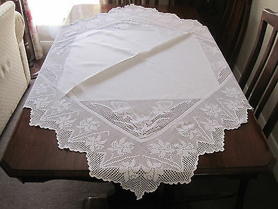 Stunning Antique White Filet Crochet Lace Wide Border Daffodils Tablecloth