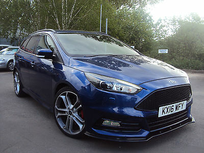 2016 Ford Focus ST3 Estate 2.0TDCi 185ps Manual in Deep Impact Blue