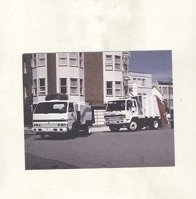 1990 Isuzu Garbage Refuse Truck ORIGINAL Factory Postcard my8916