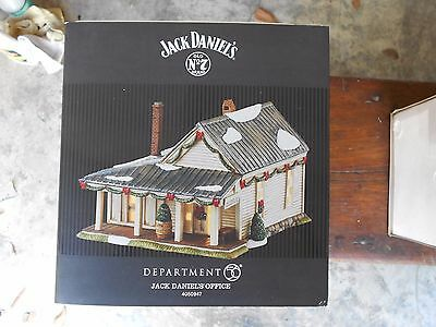 DEPARTMENT 56 Jack Daniel's VILLAGE JACK DANIEL'S OFFICE NIB