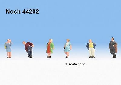 Noch 44202 Z Scale Figure Set Strollers Walking Passers-By *NEW $0 SHIPPING