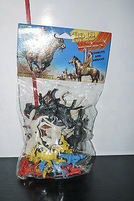 VINTAGE 80's Plastic Toy Soldiers Hing Fat Wild West COWBOYS INDIANS Bagged MIB