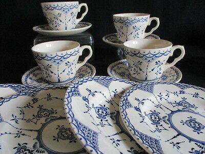 Blue & white transfer ware Tea cups and saucers and side plates x 4 EIT