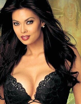 TERA PATRICK 100 different photos cm. 10x15 printed on glossy paper