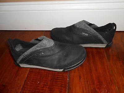 Women's Teva Slip-On Shoes / Sneakers Size 5.5