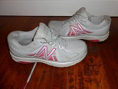 Woman's New Balance Shoes / Sneakers Size 10