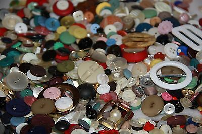 bulk buttons mixed lot vintage buttons very  mixed lot vintage buttons  lot L