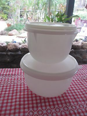 Vintage Tupperware Mixing Bowls with seals set of 2 medium & small