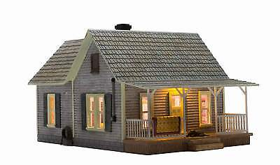 Woodland Scenics Built & Ready Old Homestead O Scale Building