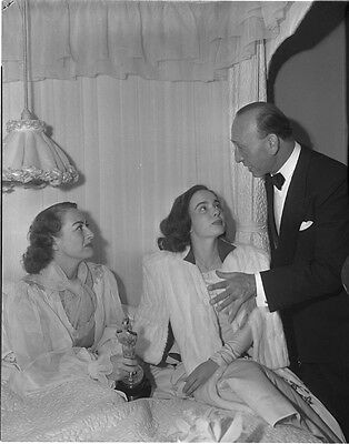 JOAN CRAWFORD ANN BLYTH MICHAEL CURTIZ Candid Oscar ORIGINAL B/W Photo NEGATIVE
