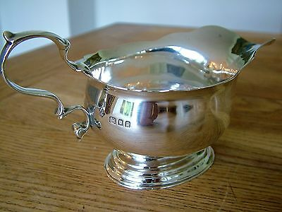 Superb Quality Cast Solid Silver Sauce Boat Gravy Jug 214G William Lister 1930