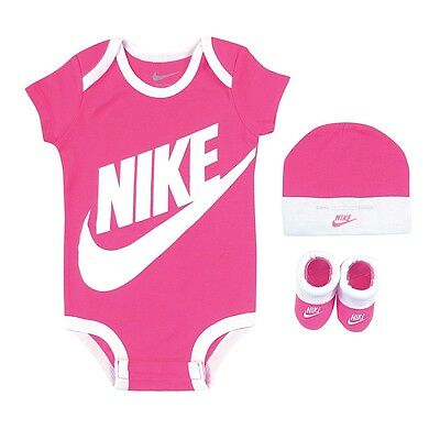 Nike 3 Piece Box Gift set, Pink, 0/6 Months