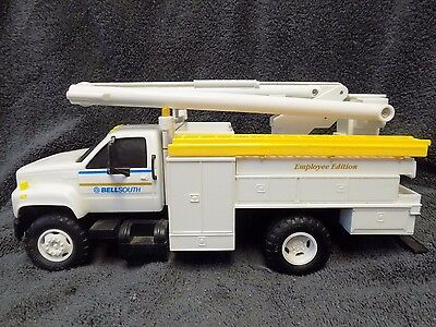 RARE 1995 Employee Edition Bellsouth Bucket Truck Bank w/Lights DC Productions
