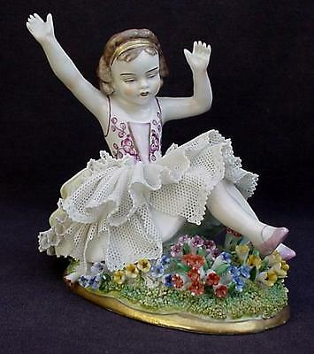 SITZENDORF GERMANY CHILD in GARDEN HAND PAINTED PORCELAIN DRESDEN LACE FIGURINE