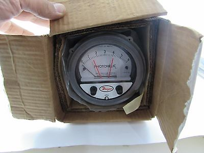 Dwyer-series-A3000-photohelic-pressure-switch-gauge-model-3030-230VC