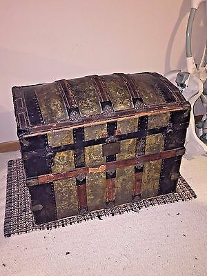ANTIQUE STEAMER TRUNK 19th C 1800s VICTORIAN TRAVEL CHEST WEDDING CAMEL HUMP
