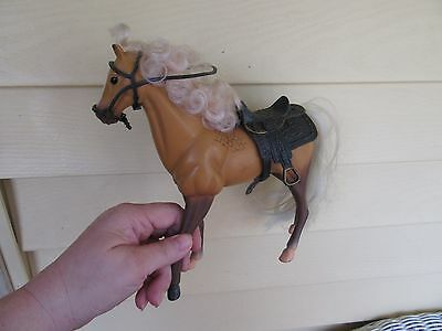 """1993 KID KORELIGHT  BROWN PLASTIC HORSE  8 1/2"""" with white mane and tail"""