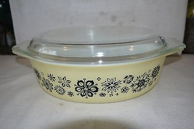 Vtg 1957 Pyrex Pressed Flowers 2.5 Qt Baking Dish With Lid