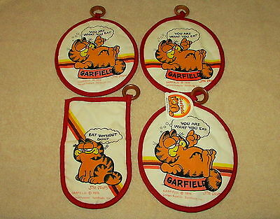 Lot Of (4) Vintage 1978 Garfield Oven Mitt & Hot Pads / Pot Holders With Tag  *