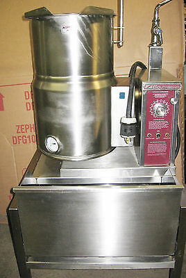 SouthBend 6 Gallon Insulated Tilting Steam Jacketed Sauce Soup Tilt Kettle