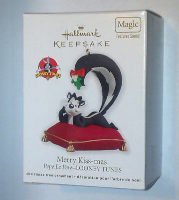 Hallmark 2012 Merry Kiss-Mas ORNAMENT Sound WB PEPE LE PEW Looney Tunes 8649