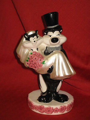 Pepe Le Pew Penelope Cat Bride Wedding Ceramic Stature Figure 1997 WARNER BROS