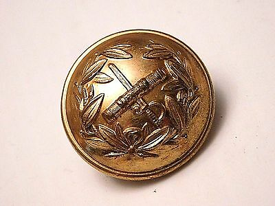 ORIGINAL BRITISH ARMY FIELD MARSHAL UNIFORM BUTTON by HAWKES OF PICADILLY (B160)